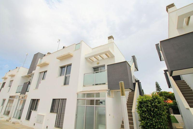 Bungalow Planta Alta en venta  en Torrevieja, Alicante . Ref: 8636. Mayrasa Properties Costa Blanca