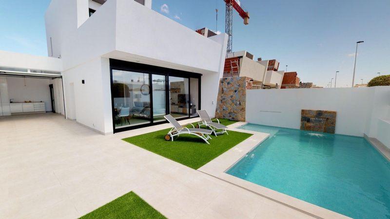 Chalet Independiente en venta  en San Pedro Del Pinatar, Murcia . Ref: 8658. Mayrasa Properties Costa Blanca