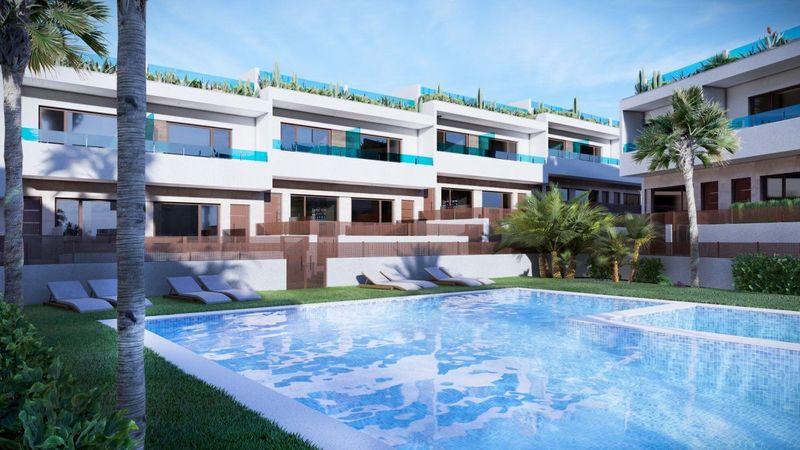 Adosado en venta  en Torrevieja, Alicante . Ref: 8666. Mayrasa Properties Costa Blanca