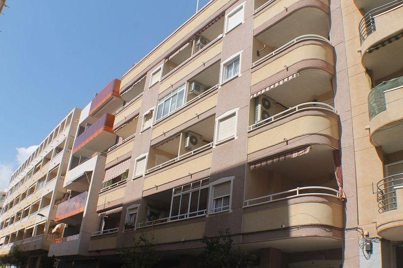 Apartamento en venta  en Torrevieja, Alicante . Ref: 8687. Mayrasa Properties Costa Blanca